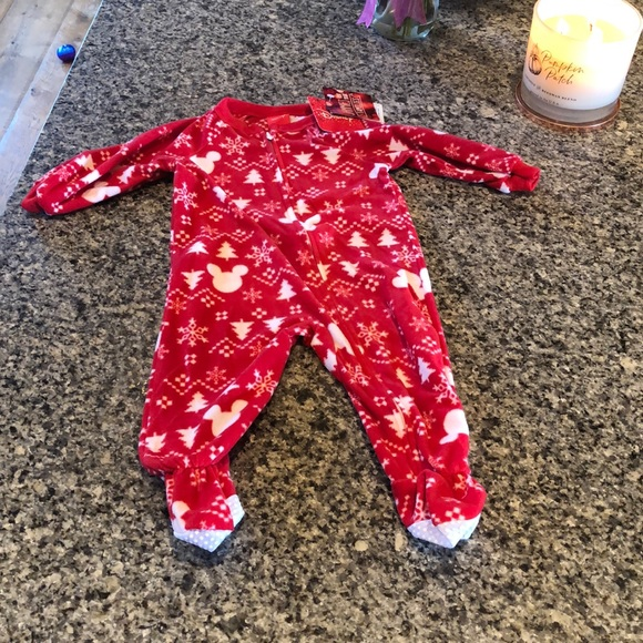 Christmas Fleece.Nwt 12 Month Disney Christmas Fleece Onesie